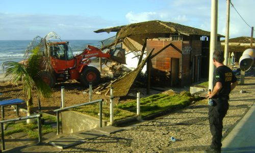 demolicao-barraca-praia
